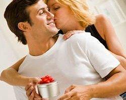 Erkek Sevgiliye Ne Hediye Alınır?