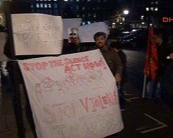 Londra'da Protesto Edildi