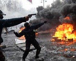 Kiev'deki Çatışmalarda 77 Kişi Öldü