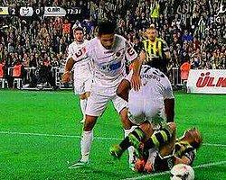 Fenerbahçeliler Kırmızı Bekledi!