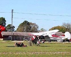 Paraşütçü Uçakla Çarpıştı