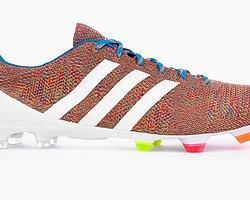 """Adidas'tan Dünyanın İlk """"Örme"""" Futbol Ayakkabısı"""