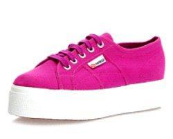 Flatform Ayakkabıların Dayanılmaz Cazibesi