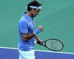 Federer Küllerinden Doğuyor