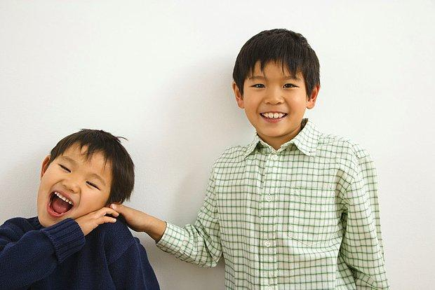 Sadece Kardeşiyle Arasında Çok Yaş Farkı Olanların Anlayabileceği 15 Şey