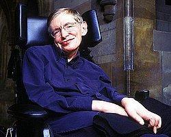 Hawking: '50 Yıl İçinde Ay'da Yaşayacağız'
