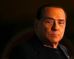 Berlusconiye 'Siyasetten Men' Cezası