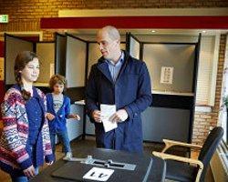 Hollanda Yerel Seçimlerinde İktidar Oy Kaybetti