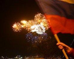Kırım'ın Rusya'ya Bağlanma Kararına Kutlama