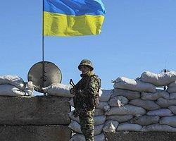 Rus Birlikleri Kırım'daki Ukrayna Üssünü Kuşattı