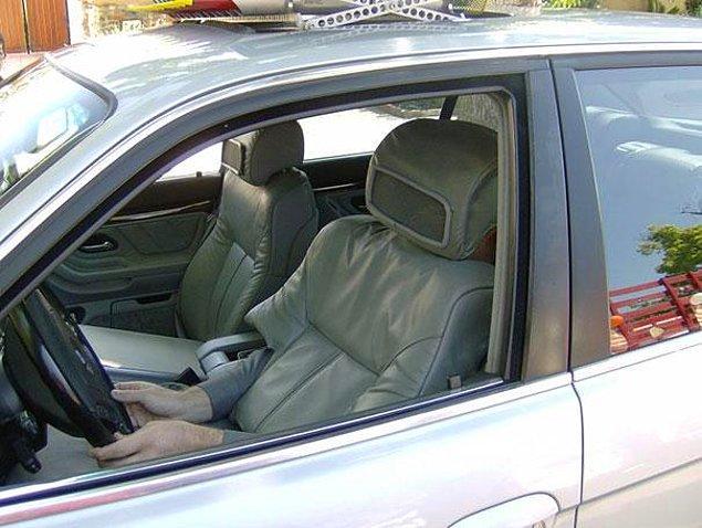 8. Araba koltuğu kılığına girip insanların tepkilerini seyredin