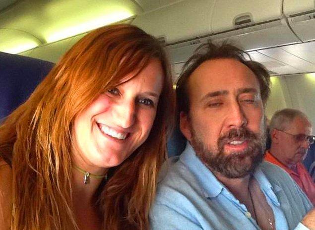 Nicolas Cage uykudan yeni uyanırken.