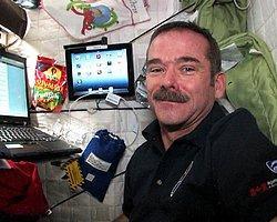 Uzaydan Tweet Atan Astronot