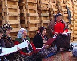 Arslanköy'ün Tiyatrocu Kadınları