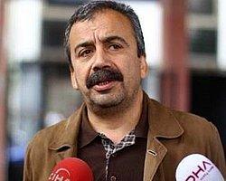 Sırrı Süreyya Önder'e Gazeteci Tepkisi! 'Enver Aysever'den Özür Dile'