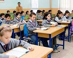 İlkokullarda Mescidin Önü Açıldı
