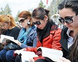 81 İl Meydanında Kitap Okuma Etkinliği
