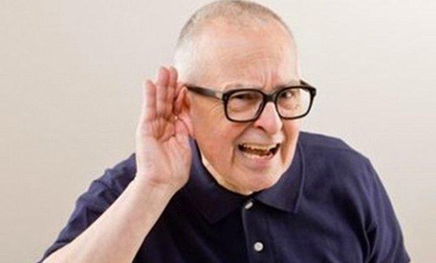 После смерти теряется зрение, затем слух. После остановки сердца, возможно слышать звуки до 2-х минут.