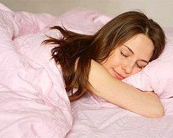 Sevgilinizi uyuma şeklinden tanıyın