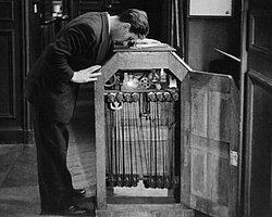 1894 Thomas Edison