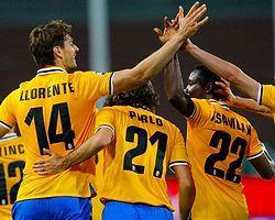 Juventus İlk Devrede İşi Bitirdi