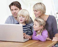 Çocuğunuzu İnternetle Başbaşa Bırakmayın!