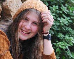 Kırmızı Fularlı Kıza 5 Yıl Hapis İstendi