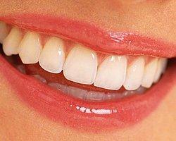 Yaş İlerledikçe Diş Bakımı Zorlaşıyor