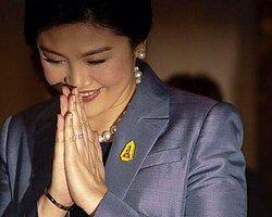 Tayland Yargısı Başbakan'ı Görevden Aldı