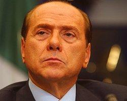 Berlusconi Hasta Bakıcılığa Başlıyor