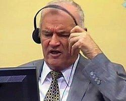 Soykırımla Suçlanan Mladiç Mahkeme Karşısında