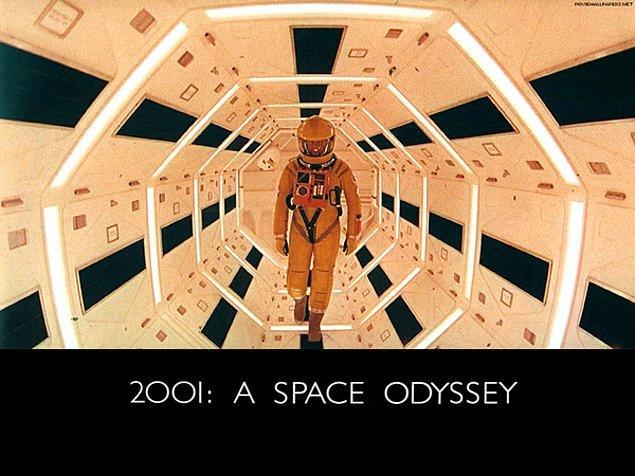 3. 2001: A Space Odyssey (1968) / Yön.: Stanley Kubrick
