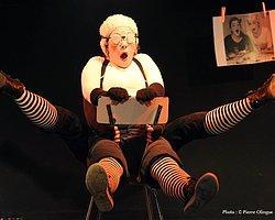 """""""Au Tour d'une Chaise"""" (Bir Sandalye Etrafında) - Çocuk Gösterisi"""