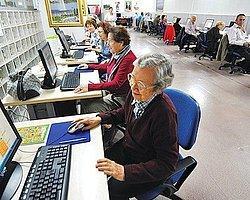 İnternet 'Yaşlılıkta Yalnızlığa Deva Olabilir'