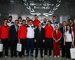Spor Bakanı Çağatay Kılıç Şampiyon Sporcuları Kabul Etti
