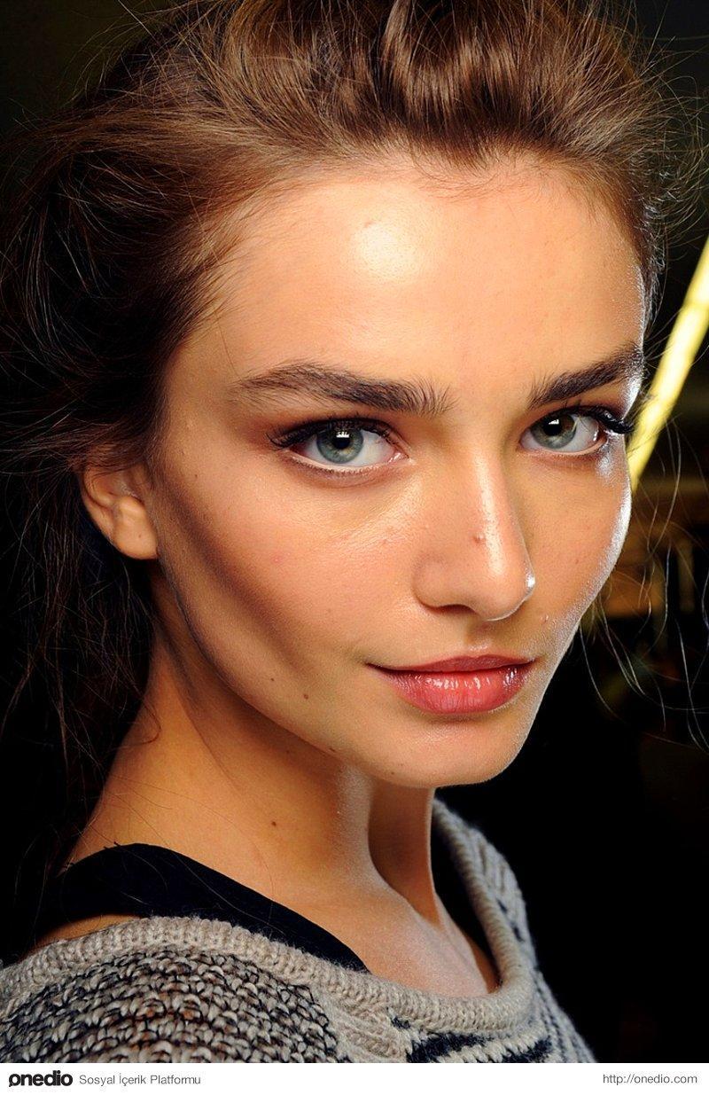 Kadınlar için makyaj önerileri
