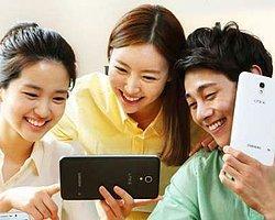 Samsung Tabletfonu Büyüttü