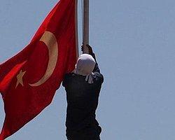 'Bayrak İndirme' Soruşturmasında 5 Gözaltı