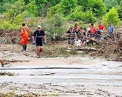 Denizli ve Manisa'da Sel: 1 Çocuk Boğuldu