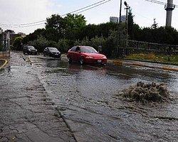 İstanbul'da Dereler Taştı, Yollar Göle Döndü