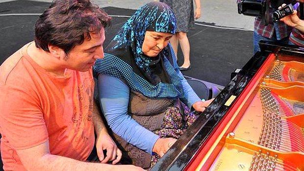 Fazıl Say ile Piyano Çalan 65 Yaşındaki Nene
