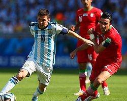 Messi Arjantin'i İpten Aldı