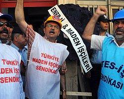 AK Parti Binasına Siyah Çelenk Bırakıp, Ampul Kırdılar!