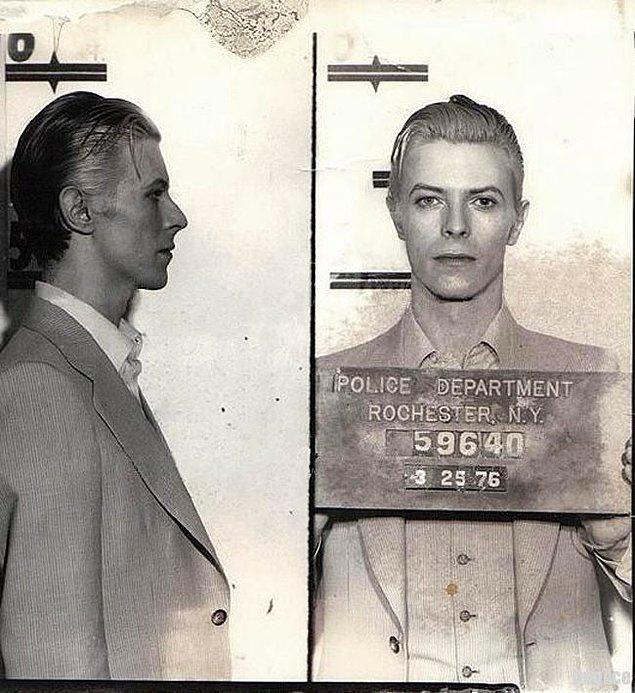 35. David Bowie'nin sabıka fotoğrafı