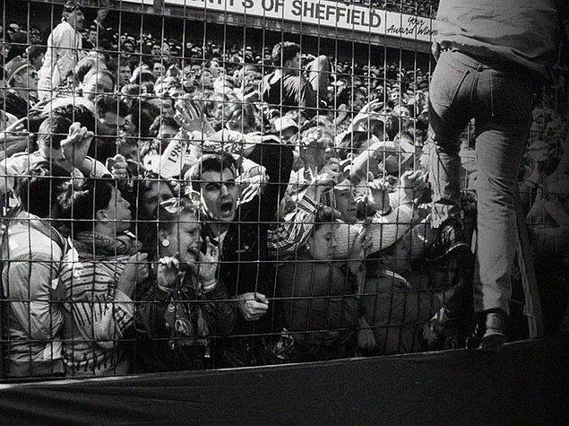 4. Panik; 1986 yılında İngiltere'deki bir futbol maçında yaşanan izdiham sonucu 766 kişi yaralandı, 96 kişi hayatını kaybetti.