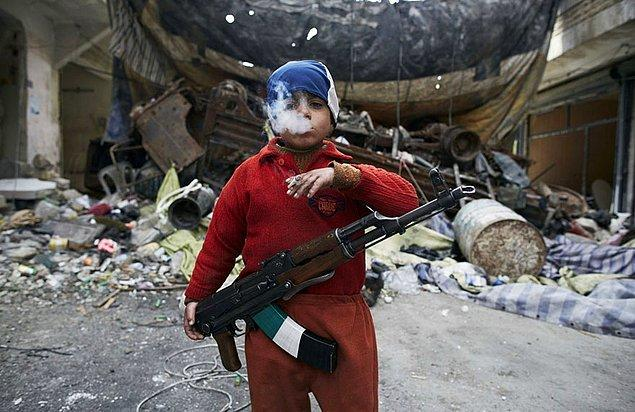 18. Kaybolan Masumiyet; 8 yaşındaki Suriyeli bir direnişçi artık hiç de çocuk gibi görünmüyor.