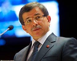 Erdoğan Davutoğlu'nu İşaret Etti