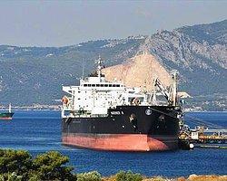 CHP İstanbul Milletvekili Umut Oran, İsrail'e Filistin'i bombalarken kullandığı jet yakıtı satışı yapılması ve Kuzey Irak petrolünün aralarında İsrail'in de olduğu bazı ülkelere 22 Mayıs'tan itibaren satışının başlamasını TBMM gündemine taşıdı.