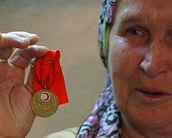 Yakınlarına Kızdı, 2,5 Milyonluk Servetini Bağışladı