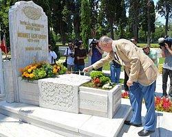 İhsanoğlu'ndan İstiklal Marşı Gafı